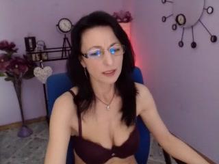 Ware live 1 on 1 adult chat slapper BellaLady69 Masturbating