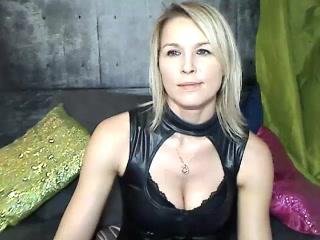 Musselburgh live 121 adult fun ex girlfriend HotSexyNiki Milking