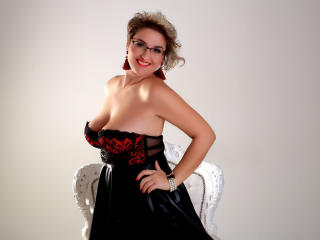 Stirling live cam2cam female ClassyCarolyn Fingerblasting